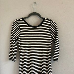 BLACK AND WHITE CLASSIC EXPRESS DRESS (S)